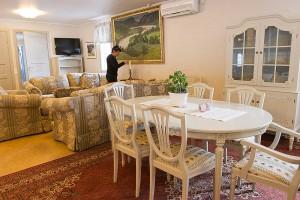Lounge Stall Danora